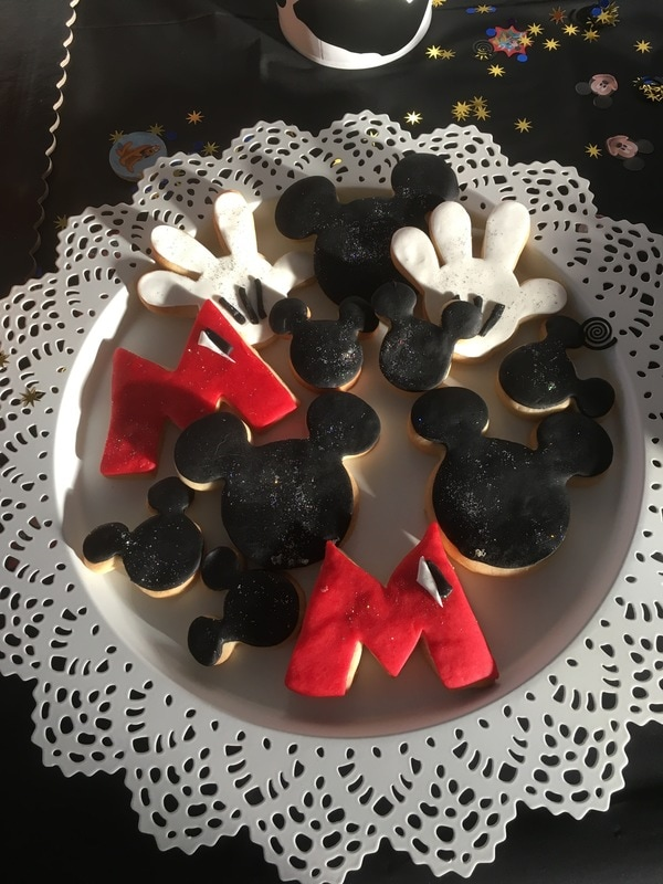 Galletas de Mantequilla con formas de Mickey Mouse